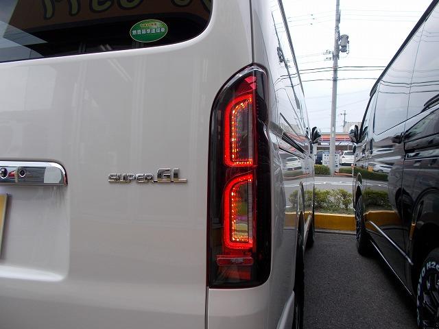 200系ハイエース・コプラス・プラチナムLEDテールランプ (3)