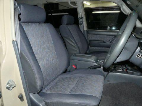 運転席シートもこの通りGOODコンデイションです♪