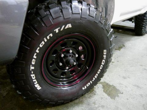 ランクル80 シロ タイヤ
