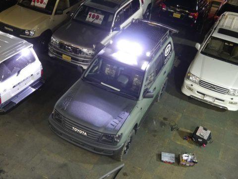 ランクル100 IPFライトバー点灯画像