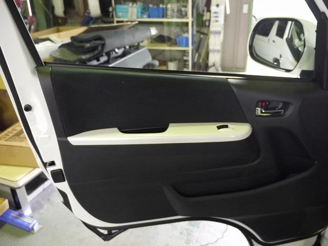 シルクブレイズ・4型ハイエース・ホワイト・インテリアパネルセット (4)