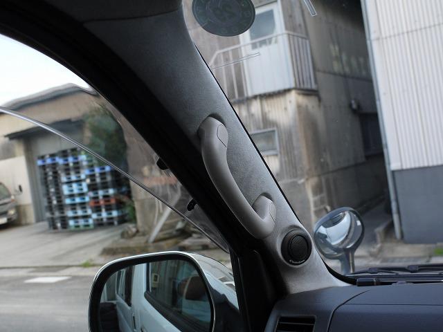 ハイエース・ツィータースピーカーロックフォード取り付けいたしました (2)