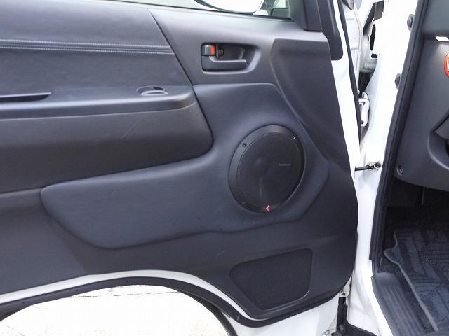 ハイエース・フロントドアスピーカーロックフォード取り付け (2)