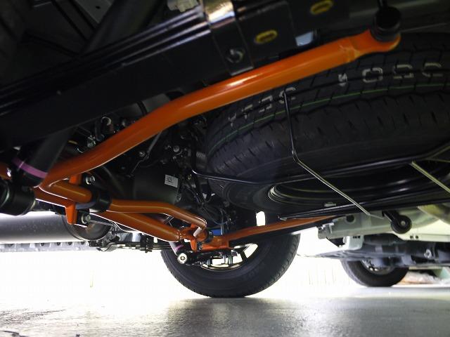 UIビークル・追加リアスタビライザー・ハイエースワゴンGL4WDに取り付けいたしました。 (1)