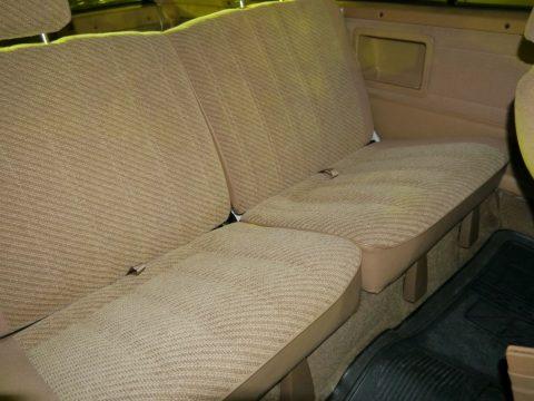 ハイラックスサーフSSR 車内後部座席