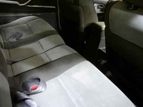 ランクル80シダーグリーン 後部座席