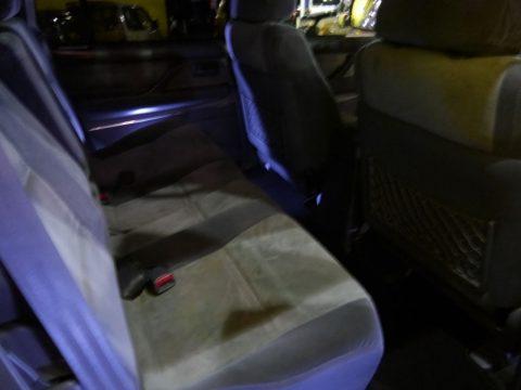 ランクル80 サンセットブロンズ 後部座席