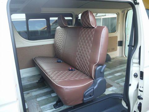 M様に納車したライトイエローのDXバンをカスタム【シートカバー・床張り】いたしました (1)