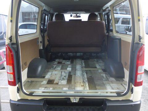 M様に納車したライトイエローのDXバンをカスタム【シートカバー・床張り】いたしました (3)