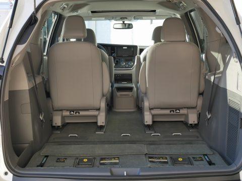 新車シエナ 4WD XLE 2017年モデル (5)