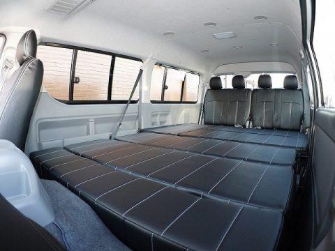 フルフラット展開で車中泊も可能なFD-BOX