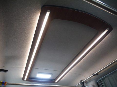 高崎店デモカー2018:アンビエントライト付 天井照明