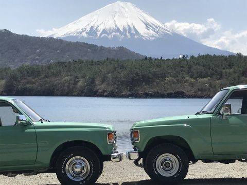 富士山バックのflexdreamデモカー