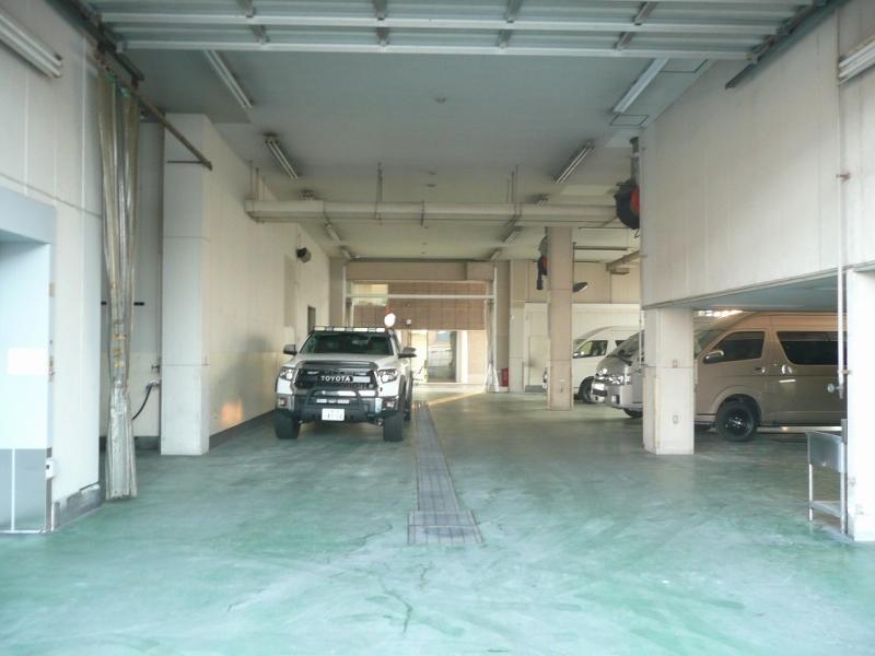 自動車整備工場併設 カスタムや修理、車検に関してもお任せください!