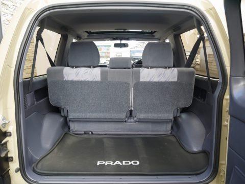 H13 90プラド:ショートボディでも大容量のラゲッジスペース
