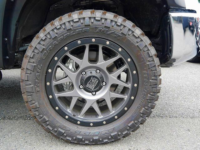 KMC XD127 BULLY 20インチAW NITTO TRAIL GRAPPLER M/T 305/55R20