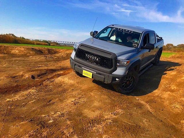 18モデル タンドラ 4WD クルーマックス SR5 TRDオフロードPKG LINE-X ASSANTIOFFROAD IPF