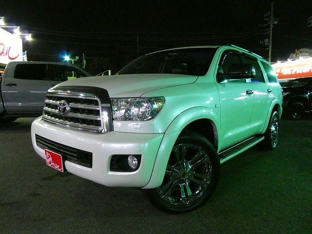 新並2012年モデル セコイア 4WD 最上級グレード PLATINUM入庫しました~!