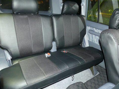 後部座席も綺麗&新品シートカバー