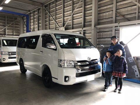A様新車ハイエースWご納車