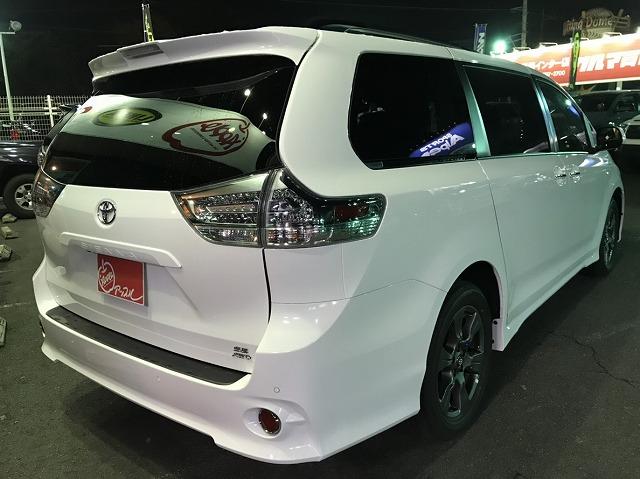 シエナ SE 白 ホワイト プリファード PKG 4WD ミニバン ファミリーカー US トヨタ 埼玉 関東 アップル 岩槻