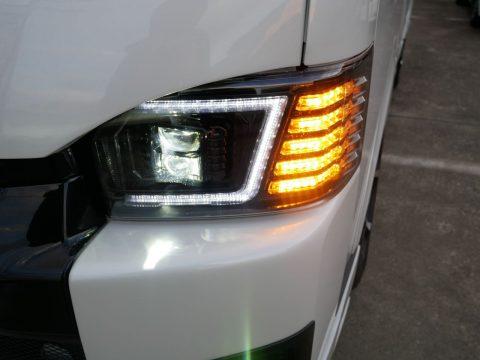 コプラスジャパンプラチナLEDヘッドランプウインカー点灯時