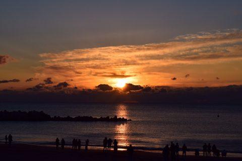 初日の出 新年 正月 宮城 七ヶ浜 海 海水浴場 きれいな海