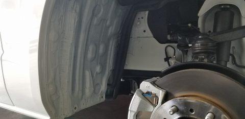 タイヤハウス の 塗装いたしました