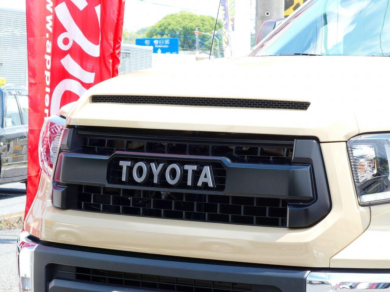 新車並行2017年 タンドラ 4WD クルーマックス SR5 リフトUP TRDプログリル KMC20インチAW KM3 ブッシュワーカーオーバーフェンダー LEER700ハードトノカバー ALPINEフルセグナビ