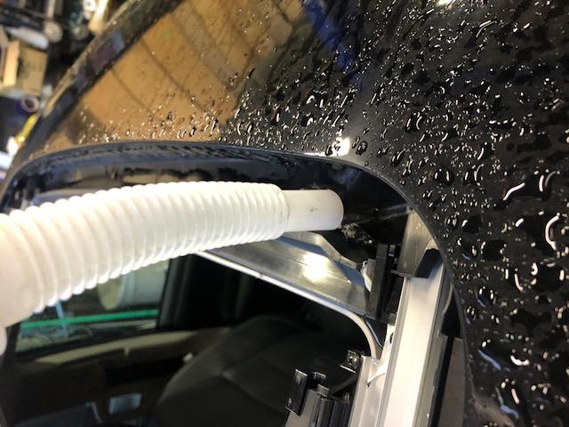 サンルーフ 水漏れ USトヨタ専門店 カスタム タンドラ シエナ タコマ FJ