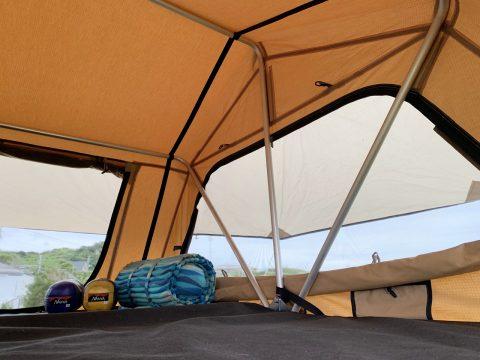 ルーフトップテント クルマの上が寝室 オートキャンプ ARB4x4