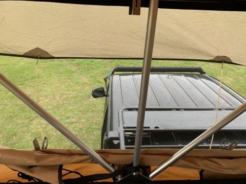 ARB4x4ルーフトップテント 四面網戸 通気性のあるテント