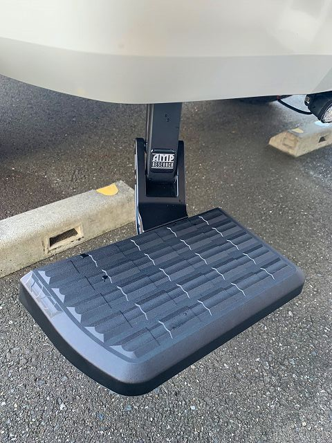 AMP Research  Bedstep Retractable Bumper Step  Toyota Tundra タンドラ 1794ED 最上級グレード USTOYOTA アップル岩槻 シエナ セコイア タコマ 4×4