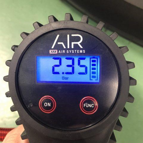 08_バール_圧力_ARBデジタル空気入れ