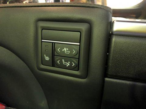 セカンドシート電動リクライニング/電動オットマン/シートヒーター