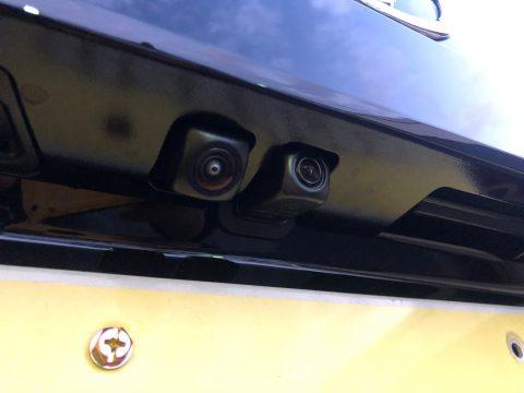 2つのバックカメラで駐車時も走行時も安全確保♪