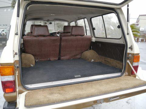 ランドクルーザー60荷室スペース