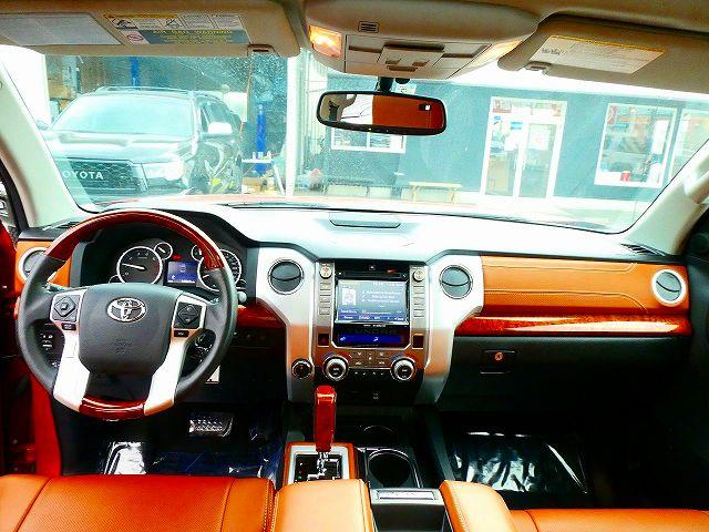 1794ED専用内装 5人乗り パートタイム4WD TVチューナー ETC クルーズコントロール ブラインドスポットモニター JBLサウンド 運転席・助手席パワーシート シートメモリ シートヒーター