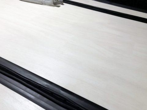 FD-BOX5ワンオフ:ホワイトカリンフローリング