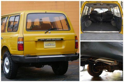 ランドクルーザー80 VXLTD マスタード 荷室、ダウンテールマフラー、オリジナルカーゴマット