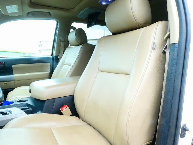 ベージュレザー 7人乗り パートタイム4WD 運転席・助手席パワーシート ALPINE7インチ地デジナビ