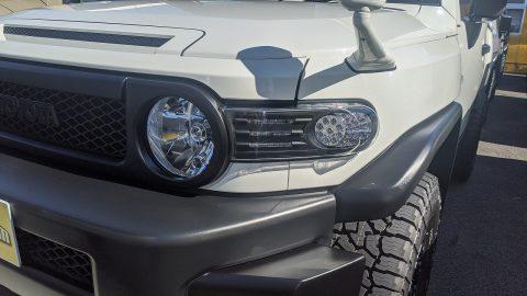 当店商品車の FJクルーザー 仕様を変更しました🎶🎶社外テール&フロントウィンカー