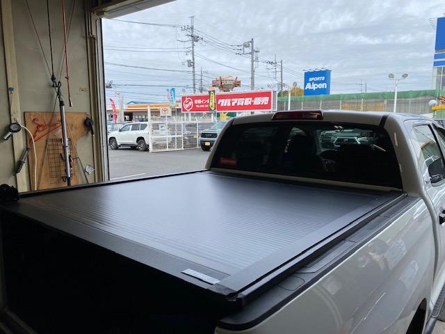 リトラックス シャッター式トノカバー Retrax オーバーハウル ルーフトップテント