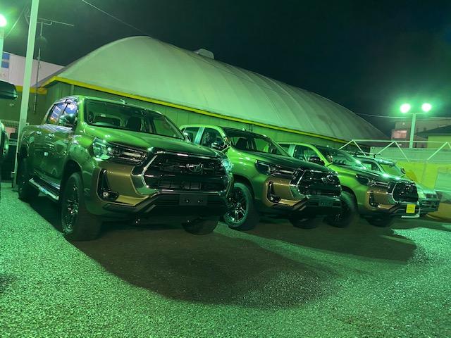ハイラックス 4WD 新型 新車 グレードZ カスタム アルミ 4×4