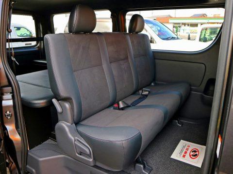 乗り心地の良いシートが商用車とは思えない♪