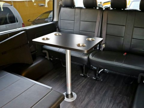 FD-BOX0は着脱式テーブルが標準装備!