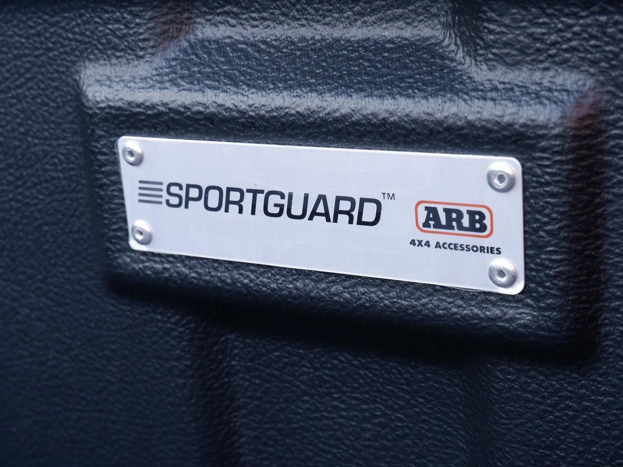 新型 ハイラックス ARB ベッドライナー おすすめ
