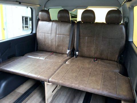 4列目純正シートにも同素材のシートカバー取り付け