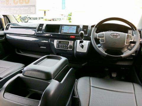新車ハイエースワゴン:フロントカスタム