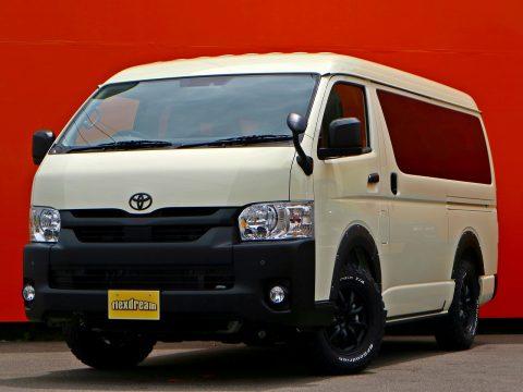 特設ライトイエロー x マットブラックが無骨でカッコいい! | 新車ハイエースワゴン GL 4WD TRH219W